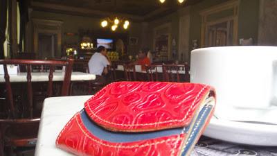小さい財布とコスタリカ